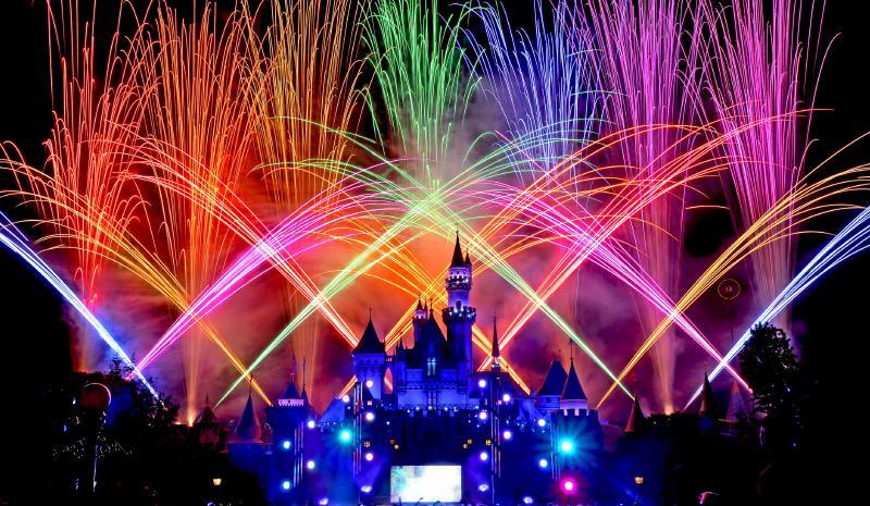 "60th Anniversary ""Disneyland Forever"" Fireworks | Disney® Credit Cards"