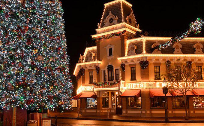 Disney Winter Wonder Land Lights on the Tree in front of the Gifts Emporium
