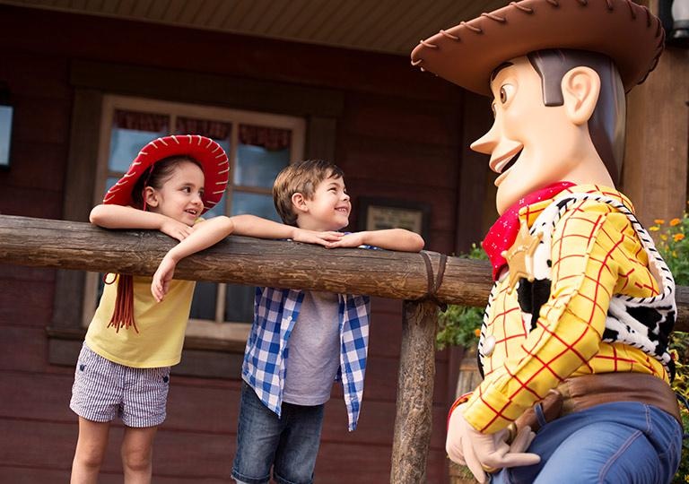 Woody with kids
