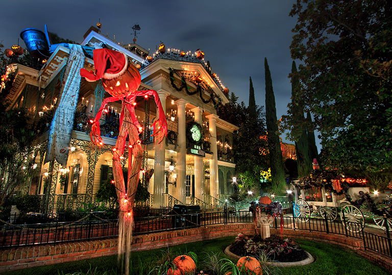 Haunted Mansion Halloween Disneyland