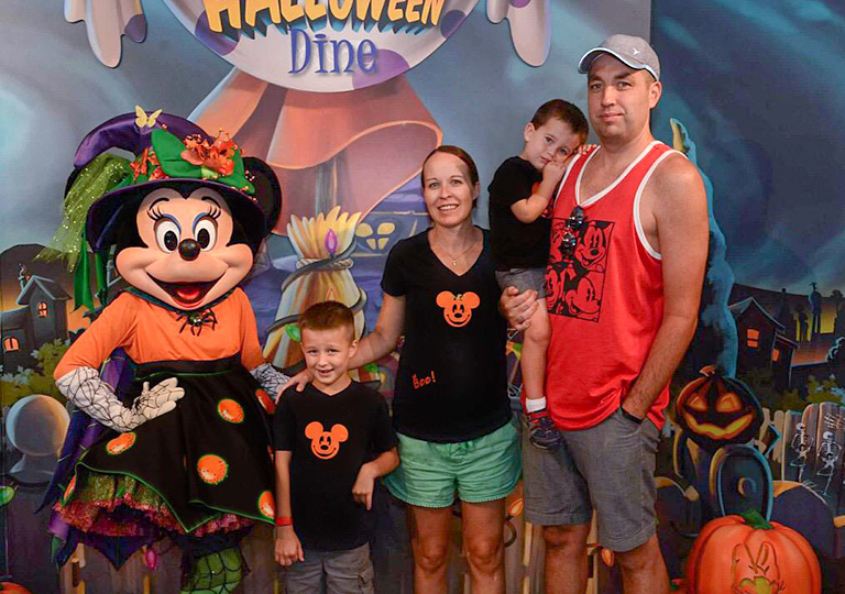 Lindsay and family Disney World