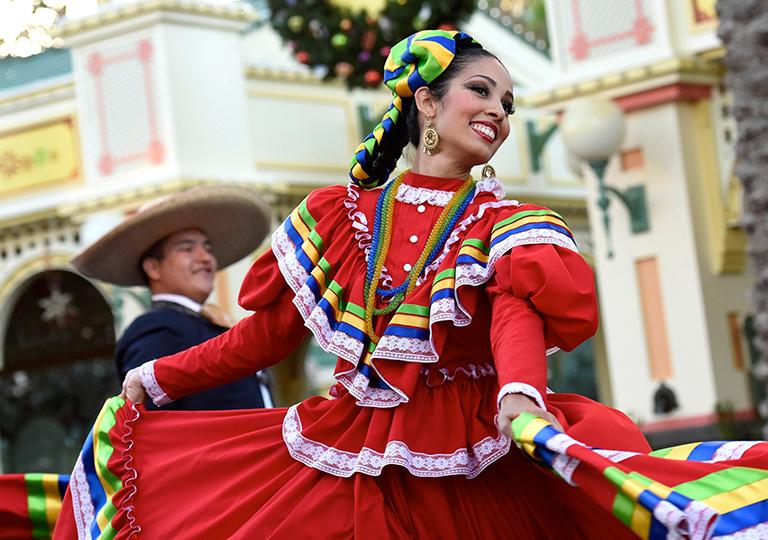 Disney Viva Navidad cast member dancer