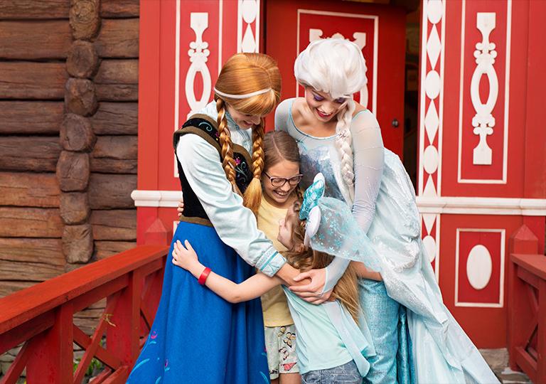 kids meeting Anna and Elsa at Epcot Disney