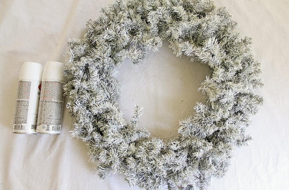 Disney DIY Star Wars Wreath Step 1